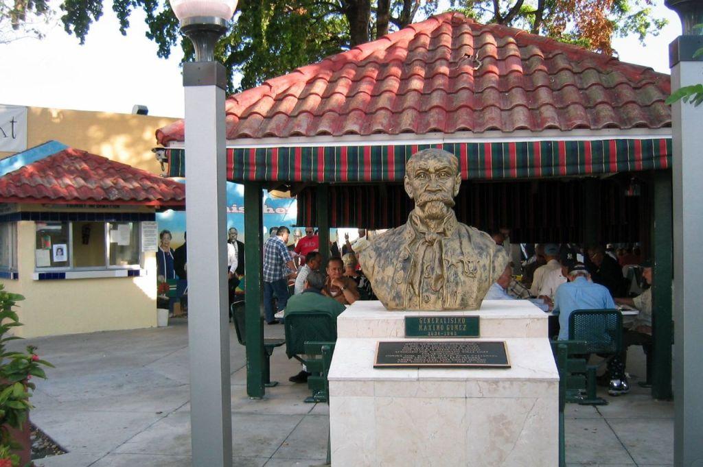 Plaza Maximo Gomez