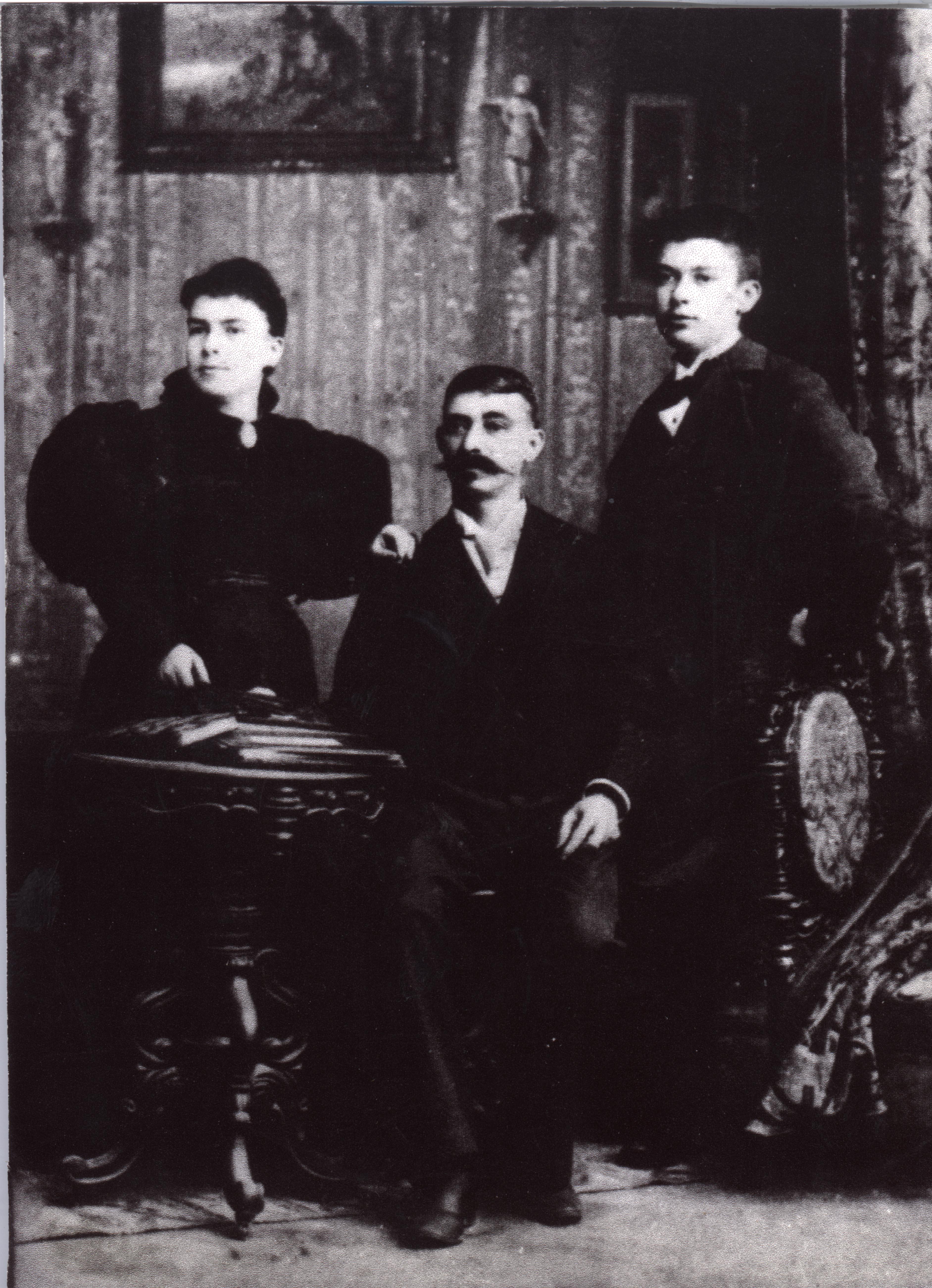 Fernando Ortiz and his parents